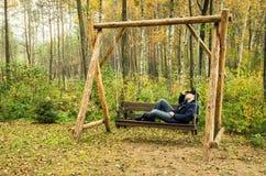 Oscillation en bois Images stock