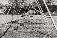 Oscillation et son ombre se tenant toujours Photos libres de droits