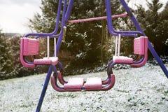 Oscillation sale dans la neige Photo libre de droits