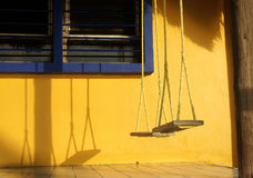 Oscillazioni del portico Fotografia Stock Libera da Diritti