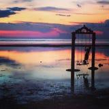 oscillazioni nel tramonto immagini stock libere da diritti