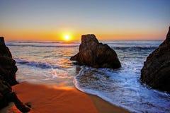 oscille le lever de soleil Photos stock