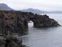 Oscillez la porte sur la plage de l'île de janv. Mayen photographie stock libre de droits