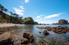 Oscilli la spiaggia a Cudillero, Asturie, Spagna Fotografie Stock Libere da Diritti