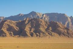 Oscilli le montagne nel deserto vicino a Yazd, Iran immagine stock libera da diritti