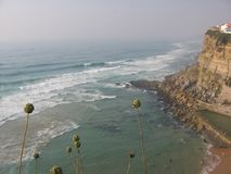 Oscilli sul mare con l'oceano per quanto l'occhio può vedere portugal Fotografia Stock Libera da Diritti