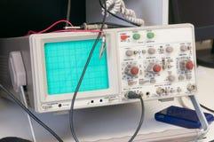 Osciloscópio análogo imagem de stock
