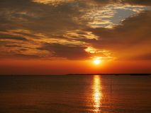 Oscuridad antes de la puesta del sol Imágenes de archivo libres de regalías