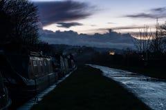 Oscuridad en el canal de Kennet y de Avon Fotografía de archivo libre de regalías