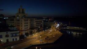 Oscuridad que establece el tiro de Havana Port Bay Shoreline almacen de video