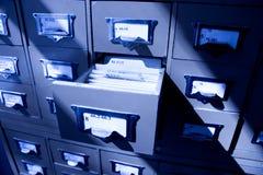Oscurità del catalogo delle biblioteche Fotografia Stock