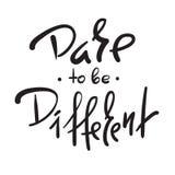Osez être différent - simple inspirez et citation de motivation Beau lettrage tiré par la main Copie pour l'affiche inspirée, t-s illustration de vecteur