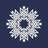Osiem wskazywali kurenda wzór w orientale przecina linia styl Biały mandala w płatkach śniegu tworzy na błękitnym tle royalty ilustracja