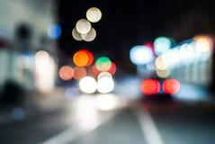 Oskarp natttrafik royaltyfria bilder