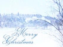 Oskarpt och abstrakt magiskt vinterlandskapfoto med hälsningtext: Glad jul blänka samkopieringen Arkivfoto