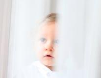 Oskyldiget behandla som ett barn Fotografering för Bildbyråer
