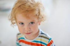 Oskyldigt barn Arkivfoto