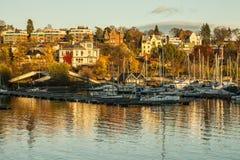 Oslo - fiordo, barcos, casas en otoño Foto de archivo libre de regalías