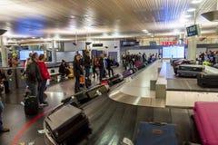 OSLO GARDERMOEN, NORUEGA - 2 DE NOVEMBRO: Interior de Oslo Gardermoen Imagens de Stock
