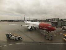 OSLO GARDERMOEN, NORVÈGE - 3 NOVEMBRE : Avions à Oslo Gardermoe Photos libres de droits