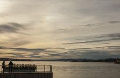 Oslo - grå aftonhimmel arkivbild