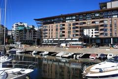 Oslo hamn med fartyg och yachter Det finns både privat och t Fotografering för Bildbyråer