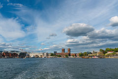 Oslo linia horyzontu z Townhall, Norwegia obraz royalty free