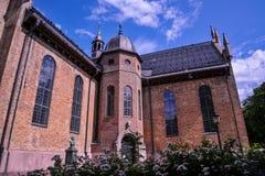 OSLO, NOORWEGEN - JULI 2015: De Kathedraal van Oslo in Karl Johans Gate, Oslo, Noorwegen stock foto's