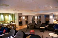 OSLO NORGE - JANUARI 21st, 2017: inre för vardagsrum för flygplatsaffärsgrupp av SAS, placeringområde i en vardagsrum för vanlig  Arkivbild
