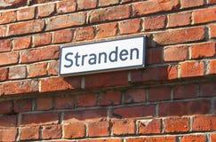 Oslo noruega Placa de nome da rua de Stranden Foto de Stock Royalty Free