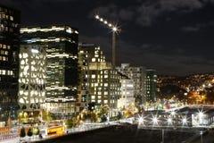 Oslo, Norvège, centre de la ville par nuit image stock