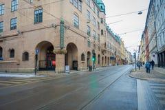 OSLO, NORVEGIA - 26 MARZO, 2018: La vista all'aperto del tram allinea nella terra a Oslo in Norvegia Immagini Stock