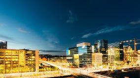 Oslo Norvegia Vista panoramica di notte del distretto contemporaneo di ciao Fotografie Stock