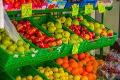 OSLO, NORWEGEN - 8. JULI 2015: Typisches Gemüse Lizenzfreie Stockbilder