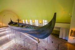 OSLO, NORWEGIA - 8 LIPIEC, 2015: Gokstadskipet sławny obraz royalty free