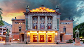 Oslo teatr narodowy, Norwegia - czasu upływ Zdjęcia Stock