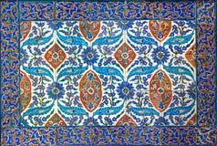 Osmański styl glazurować er ceramiczne płytki od Iznik Turcja dekorowali z kwiecistymi ornamentacjami Obraz Stock