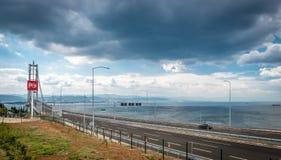 Osman Gazi Bridge in Kocaeli, die Türkei stockfotografie