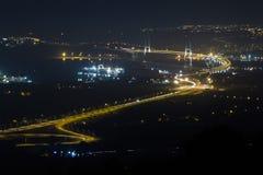 Osman Gazi Bridge in Kocaeli, Turkije Voorraad, architectuur stock foto's