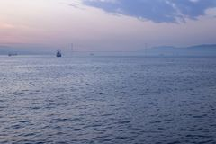 Osman Gazi Bridge-Sonnenaufgang Fern-wiev in Kocaeli - der Türkei stockbilder
