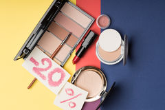 ? osmetic på försäljning -20% Arkivfoto