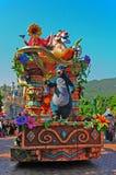 Oso de Baloo en el desfile de Disney imagenes de archivo