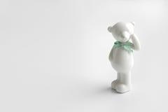 Oso de cerámica blanco Fotos de archivo libres de regalías