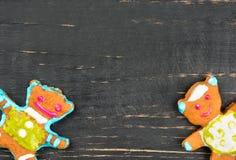 Oso del pan de jengibre de la Navidad Imagen de archivo libre de regalías