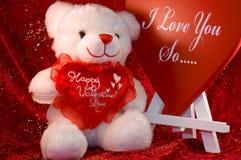 Oso y muestra de las tarjetas del día de San Valentín Imagenes de archivo