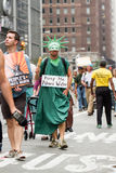 Osoba klimat Marzec NYC obrazy stock