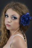 Osoba kobiecy model z zmysłowymi wargami i ekspresyjnymi oczu clos Obrazy Royalty Free