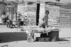 Osoba robić pokaz w Mondesa slamsy Obraz Stock