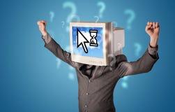Osoba z monitor chmurą i głową opierał się technologię na scr Obrazy Stock