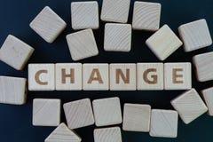 Osobista zmiana, biznesowa transformata, lub rozwijamy pojęcie, sześcianu drewno zdjęcia stock